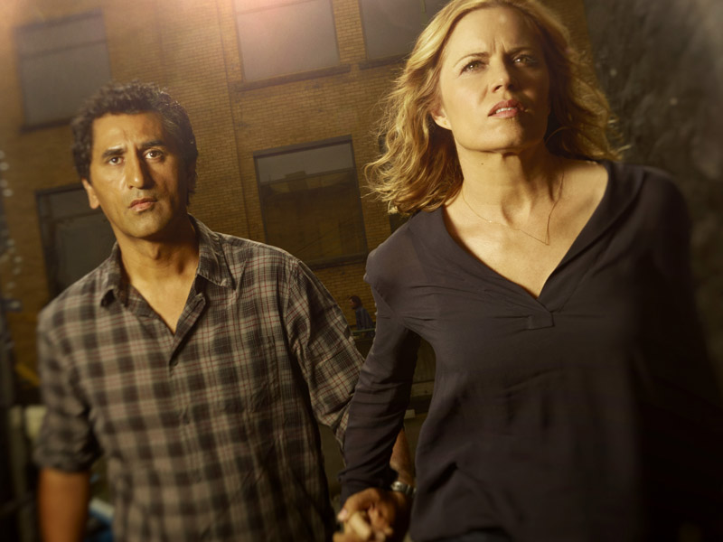 Cliff Curtis as Travis and Kim Dickens as Madison in 'Fear the Walking Dead'