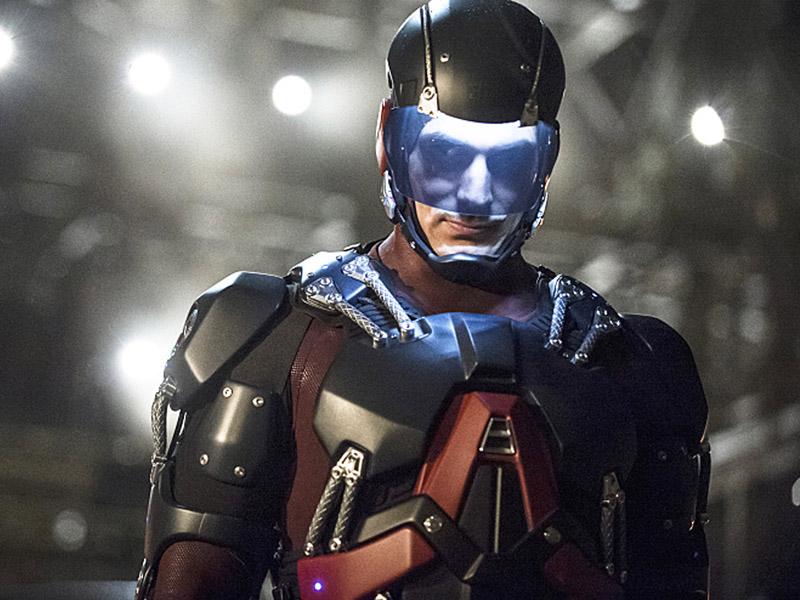 Brandon Routh as the Atom on 'Arrow'