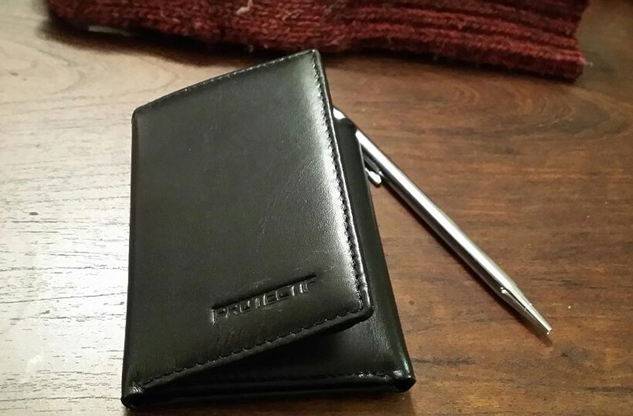 Trifold RFID-blocking wallet