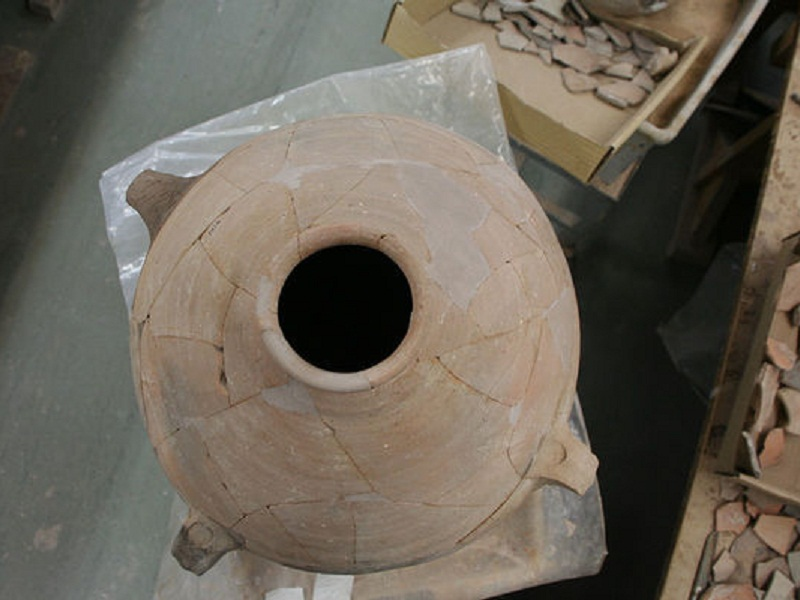 Ancient Clay Jars Offer Insights Into Earth's Magnetic Field Strength