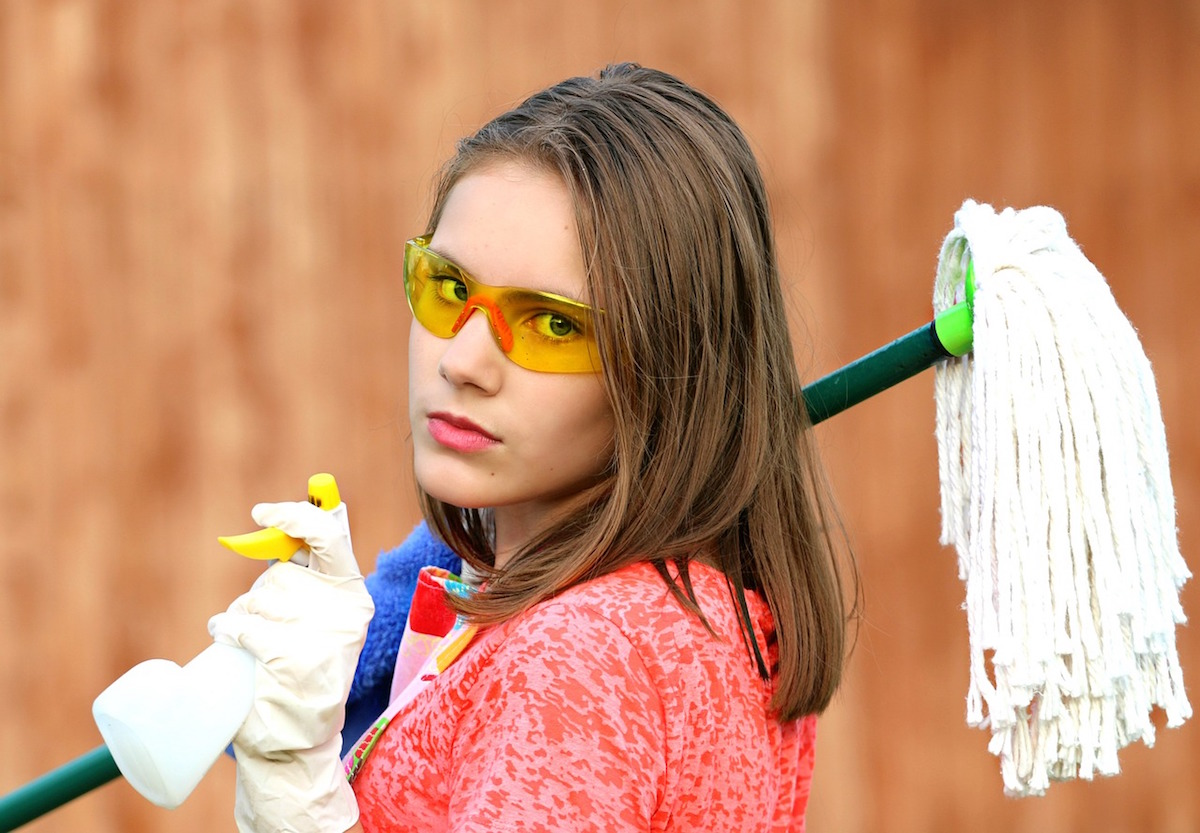 It's Time To Stop Using Common Household Cleaning Products Such As Bleach