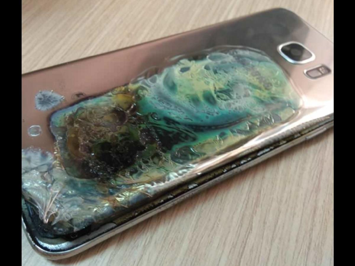 Samsung Galaxy S7 Edge Catches Fire