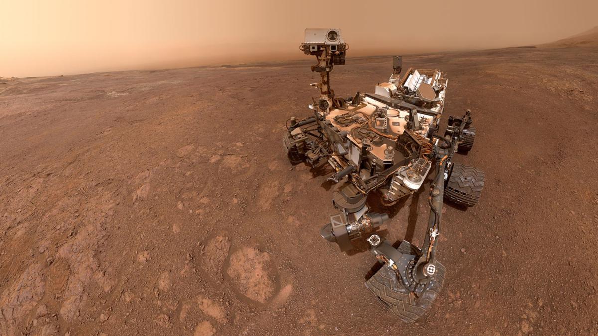 Curiosity Rover in Mars