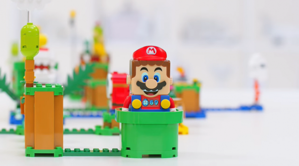 [VIDEO]    LEGO Super Mario Has an LCD Screen and Sound; How much and where to buy?
