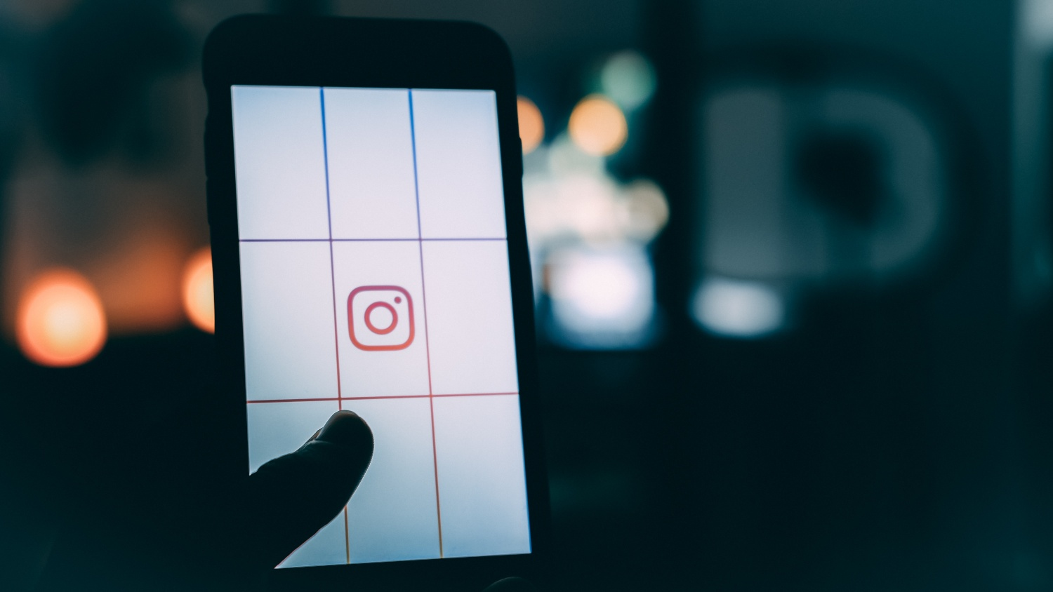Instagram Now Features Two Best Changes for Web Users— Chrome DMs and Live Streams!