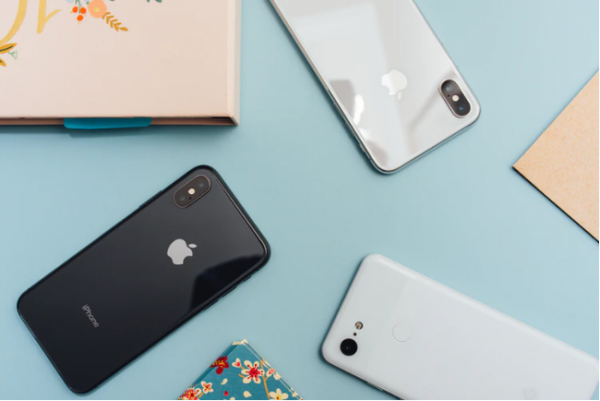 Leaked: Apple's iPhone 9 Comes Today With Price $399-- Cheaper Than iPhone 8!