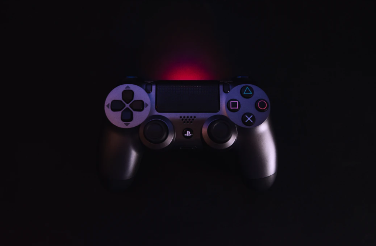This is Why Sony's Playstation DualShock is the Best Controller Ever (And Reasons Why It's Not)