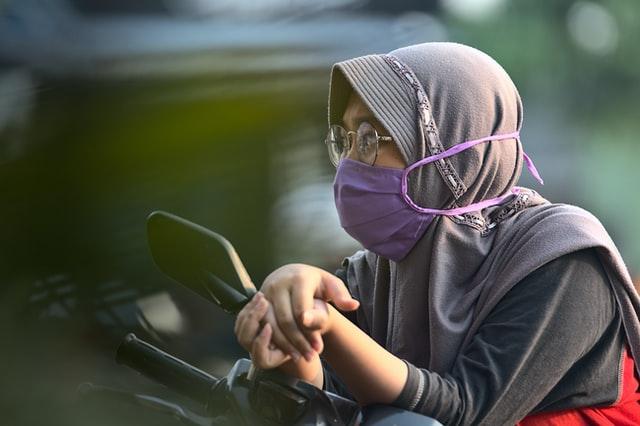 New Mask Kills COVID-19 Using Heat From Phone Charger, Can be Used 20x: Nanosponges Neutralizes Coronavirus Infection