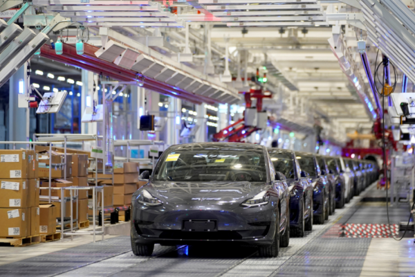 Tesla Decides to Produce Model 3's Higher-End Version, In CHINA? Here's Why It Changed Its Plan