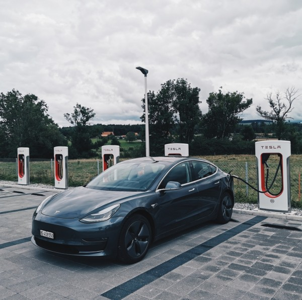 Tesla V3 Supercharger stations in Europe Accept Other EVs or Free Charge