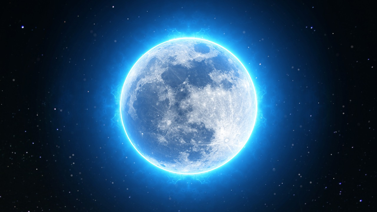 The Universe Has a Halloween Treat as Rare Blue Moon Will Rise on Oct. 31 - Tech Times
