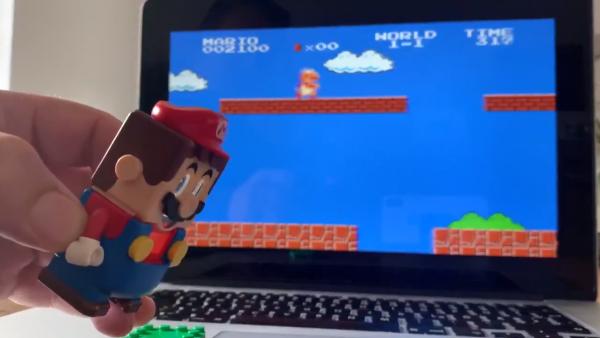 Hacker makes Lego Super Mario controller for Super Mario Bros.