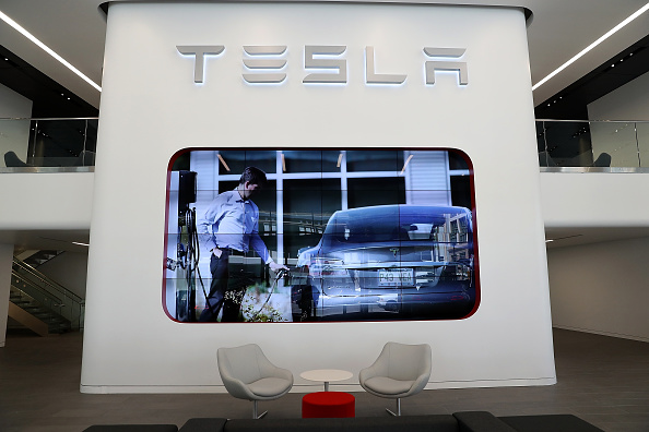 Experts Say Tesla Could Dominate Rivals, Even If Its Battery Plans Fail; Here's Why