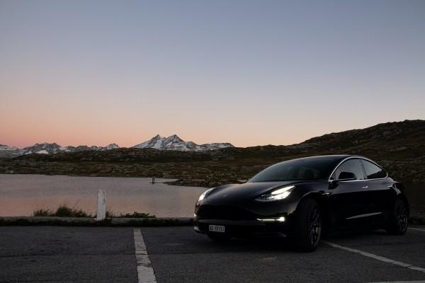 Tesla 모델은 일본에서 5 번째로 인기있는 EV입니다.