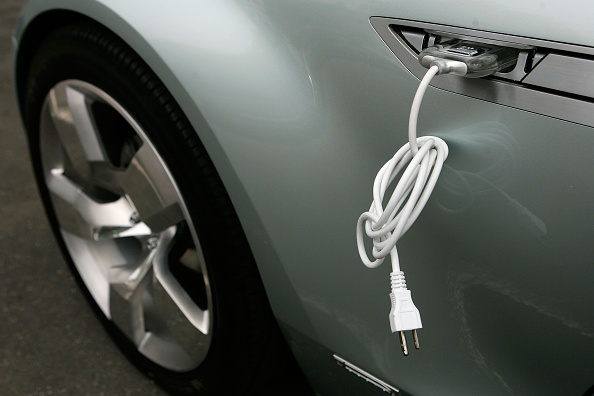 Experts Claim That Black Phosphorus Makes Electric Car's Recharging Time as Fast as Refueling