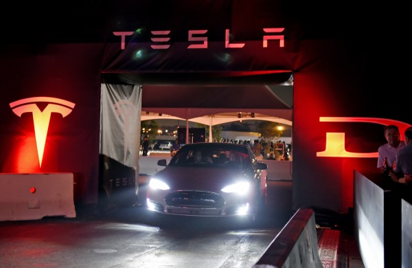 Tesla Electric Bus? Elon Musk Makes Slip of the Tongue Tweet