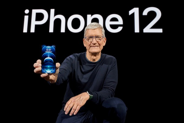 iPhone 12 Comes With EarPods and Lightning Connector in France; Thanks to $90,000 Fine