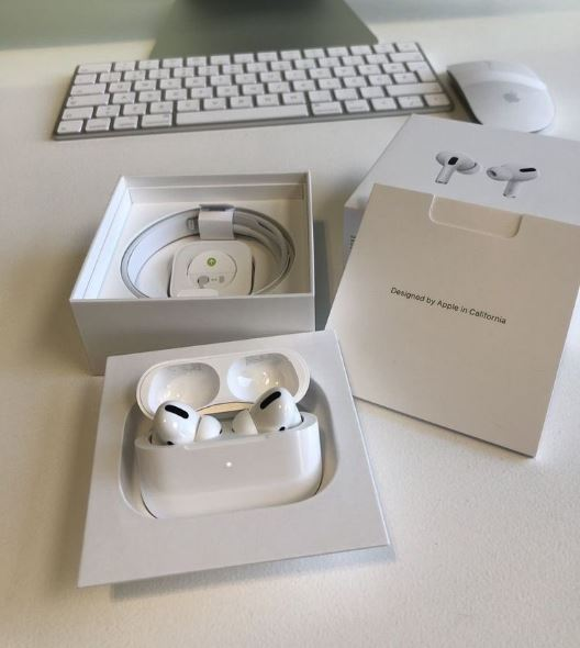 AirPods Pro Users Experience Cracking Sounds From Their Device; Apple Launches Repair Program