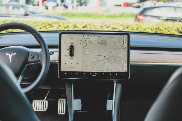 Tesla Will Refund Customers for Cost of Tesla MCU Repair Due to Memory Chip malfunction
