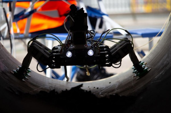 This Six-Legged Can Walk On Wind Turbine Even If It's Operating! Here's How BladeBUG's New Tech Works