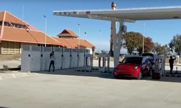 Tesla Firebaugh Supercharger