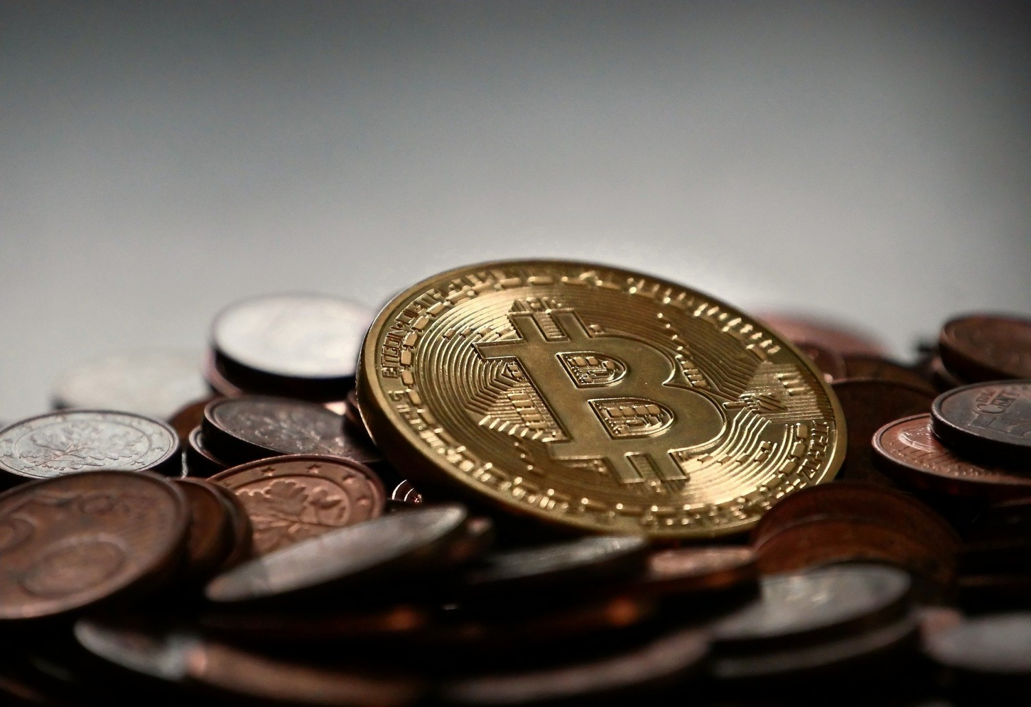 Few key advantages that you can enjoy by using bitcoins!
