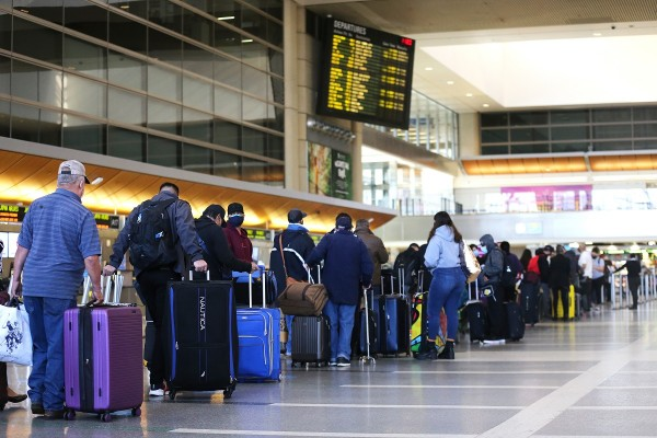 Travel Increases Ahead Of Christmas Holiday
