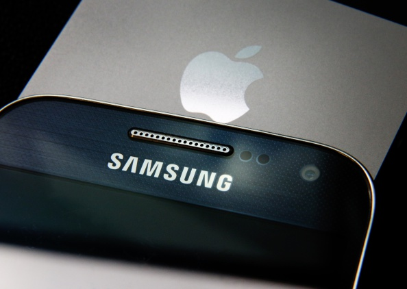Samsung's New Idea Could Lead to Perfect All-Screen Display! Which One has Better Display, iPhone 12 or Galaxy S?