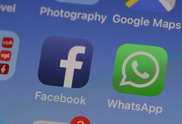 WhatsApp مملوك لشركة Facebook