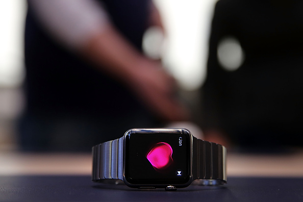 Apple Watch Has a Feature That Detects COVID-19 Symptoms Before Patients Test Positive, Revealing Significant Changes
