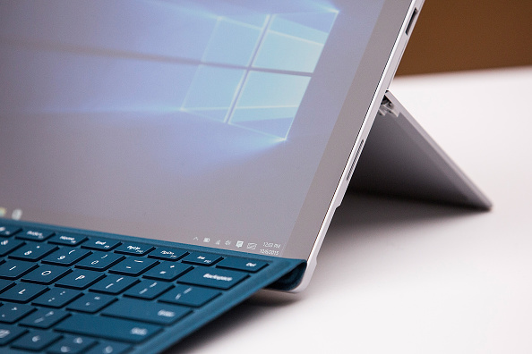 Microsoft Plans to Design a New Laptop That Relieves Users From Bad Positions; It Can Match Viewing Angle!