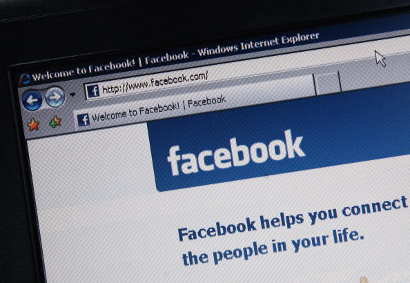 ALL Facebook Accounts Was Previously Logged Out! Rumors Claim FB Installed a User-Tracking Update