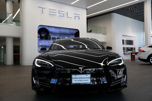 Tesla Model S' Tesla Arcade Matches Next-Gen Consoles? Elon Musk Confirms Drivers Can Play 'Cyberpunk 2077'