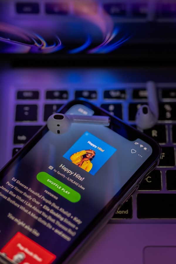 Spotify wants to Access your Conversations to Analyze Feelings and Suggest Better Music