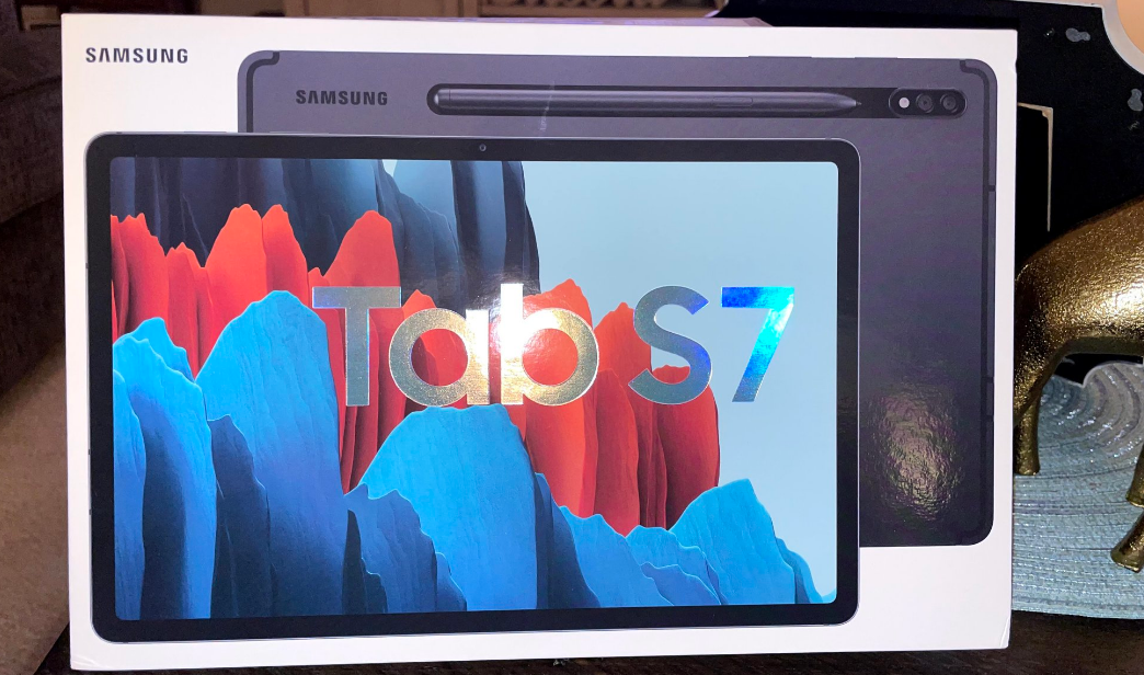 Samsung Galaxy Tab S7 vs. iPad Pro 2021: Which One Is ...