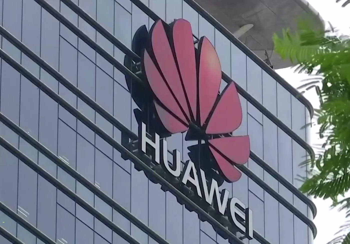 Huawei to Charge $2.50 Royalty Fee for its 5G Patent to Tech Giants- How Users View This Action?