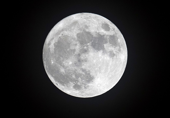 How to Capture HD Moon Photo in Samsung Galaxy S21 Ultra Using Only Your Hands-- Here's the Trick