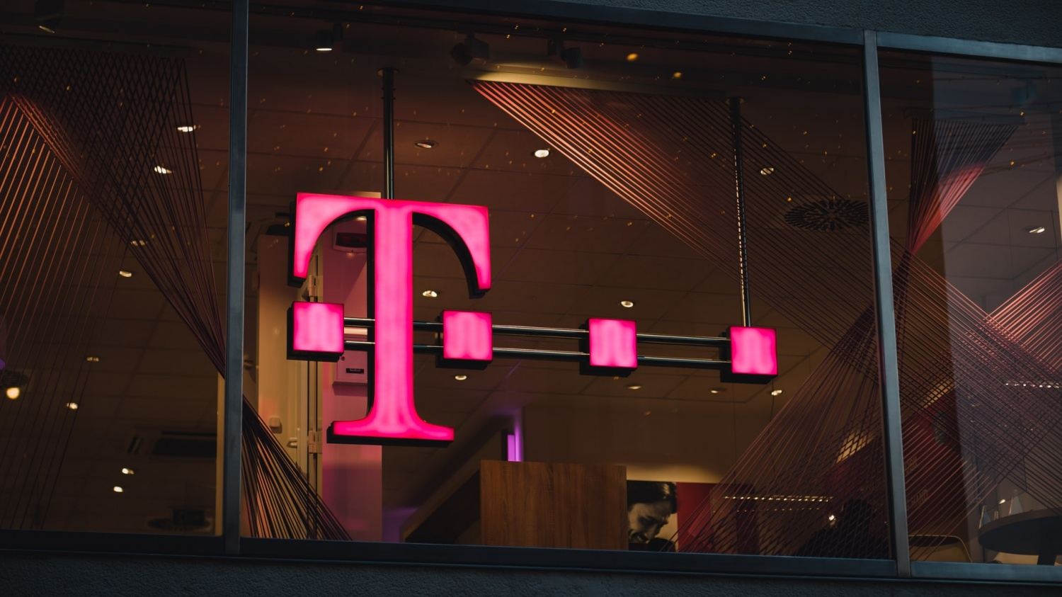 T-Mobile, Google to partner For Android Services Including YouTube TV And Android Messages