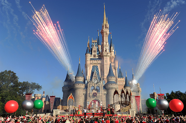 iPhone Now Acts as Contactless Ticket: How to Use Apple and Disney's New MagicMobile Pass