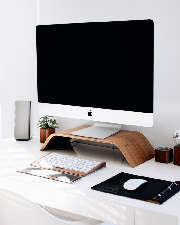 Apple's next-generation iMac display will be huge.