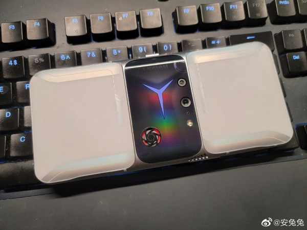 Lenovo Legion 2 Pro Looks Like a Futuristic Gaming Phone: Live Images Reveal its Cooling Fan, 90W Fast-Charging and MORE