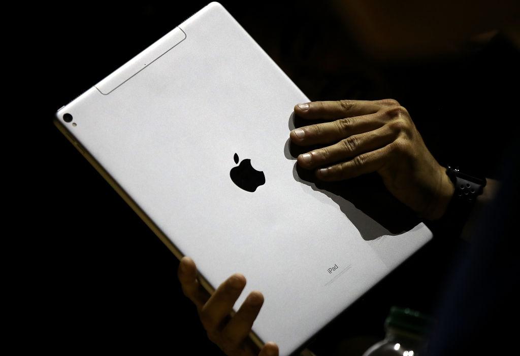 The New iPad Pro (2021) Leaks Reveal Triple Array Camera ...