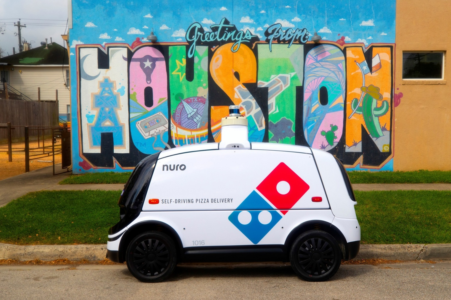 Domino's Pizza Self-Driving Delivery Robot