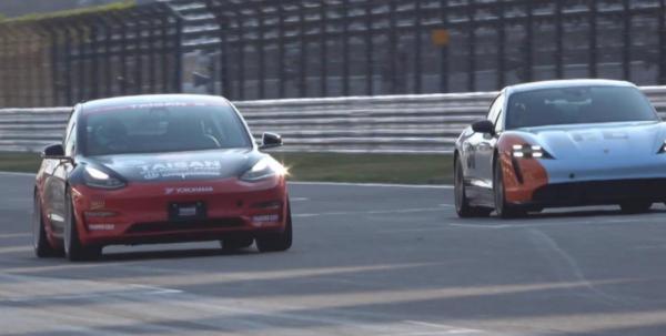 改造されたテスラモデル3、ポルシェ大観ターボSを相手にすべての日本EVグランプリ優勝