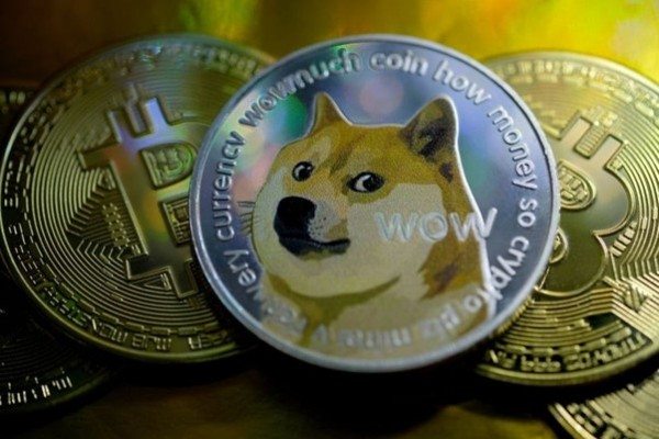 Why Meme Coins are Challenging the Crypto Market: DogeMoon a Case Study