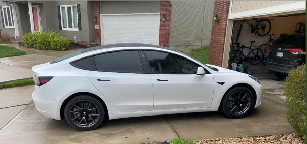 29-Year-Old Uses a Trick in Purchasing $60,000 Tesla Model 3 Through a Credit Card--What's In it?