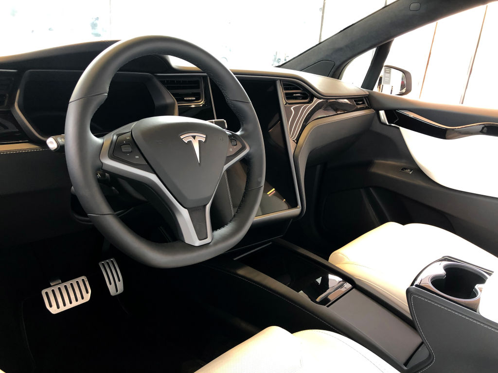 AMD To Power Tesla Model S and Model X Built-In Gaming Rig — Play The Witcher 3 and CyberPunk 2077 In-Car