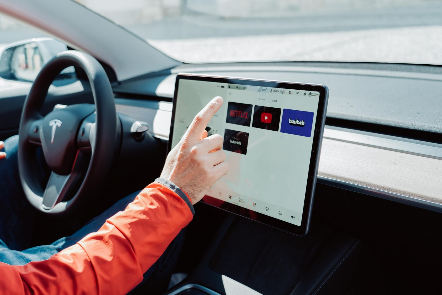 AMD-Powered In-Car Gaming System Looks Promising in Tesla S, X--Elon Musk Tweets it Has 'PS5 Level Entertainment Computing Power