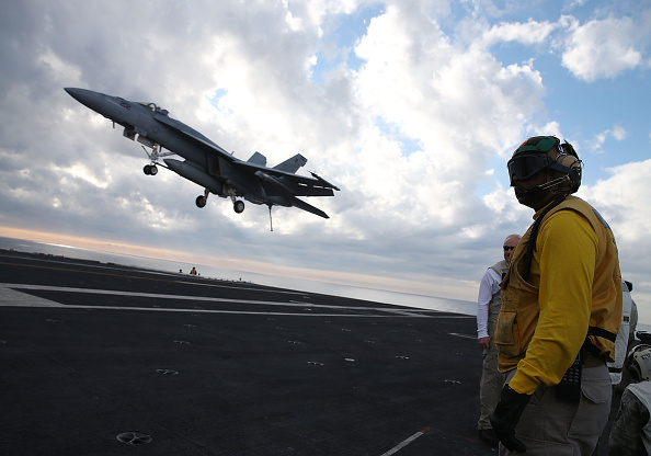 This US Unmanned Carrier-Based Drone Refuels the Navy Super Hornet Jet for the First Time!