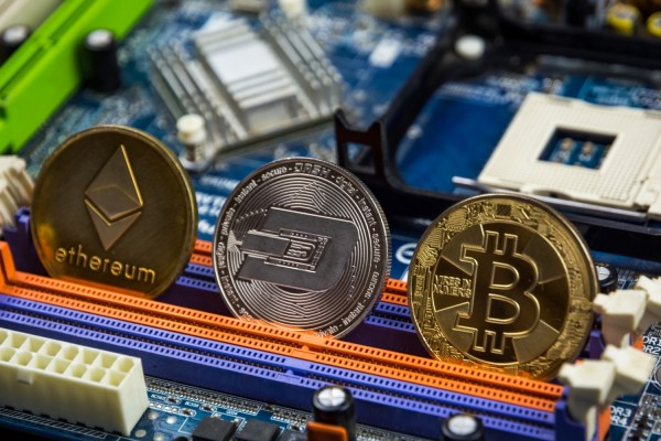 Crypto Weekend Crash is Persisting For May Years, Analysts Enumerates Factors Affecting it